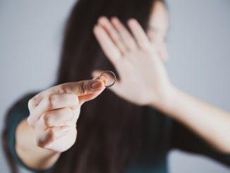 как развестись если муж в другой стране